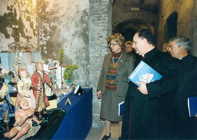 pre 05 - 23ª edizione 1998 - La Dr.ssa Mariacarla Menaglia con S.E. Monsignor Luigi Moretti