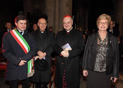 pre 13 - 34ª edizione 2009 - Giovanni Alemanno Sindaco di Roma, S.E.R. Francesco Cardinale Machisano, S.E.R. Angelo Cardinale Comastri, Dott.ssa Mariacarla Menaglia