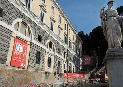 pre 25 - L'ingresso delle Sale del Bramante in Piazza del Popolo sede dell'Esposizione