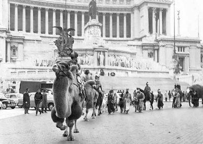 pre 38 - Storica sfilata dei Re Magi da Piazza Venezia verso i 100 Presepi a Piazza del Popolo Roma