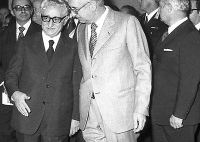 rdn 08 - Il Dott. Manlio Menaglia con il Presidente della Repubblica Italiana Giovanni Leone