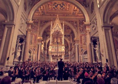 gmc 87 - San Giovanni in Laterano - Roma - 16-12-1995 Coro ed orchestra Sinfonica della Diocesi di Roma A.M.O.DI.R. direttore M° Marco Frisina